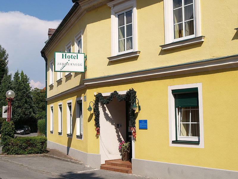 hotel_eingang_02